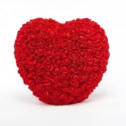 Coeur en roses rouges